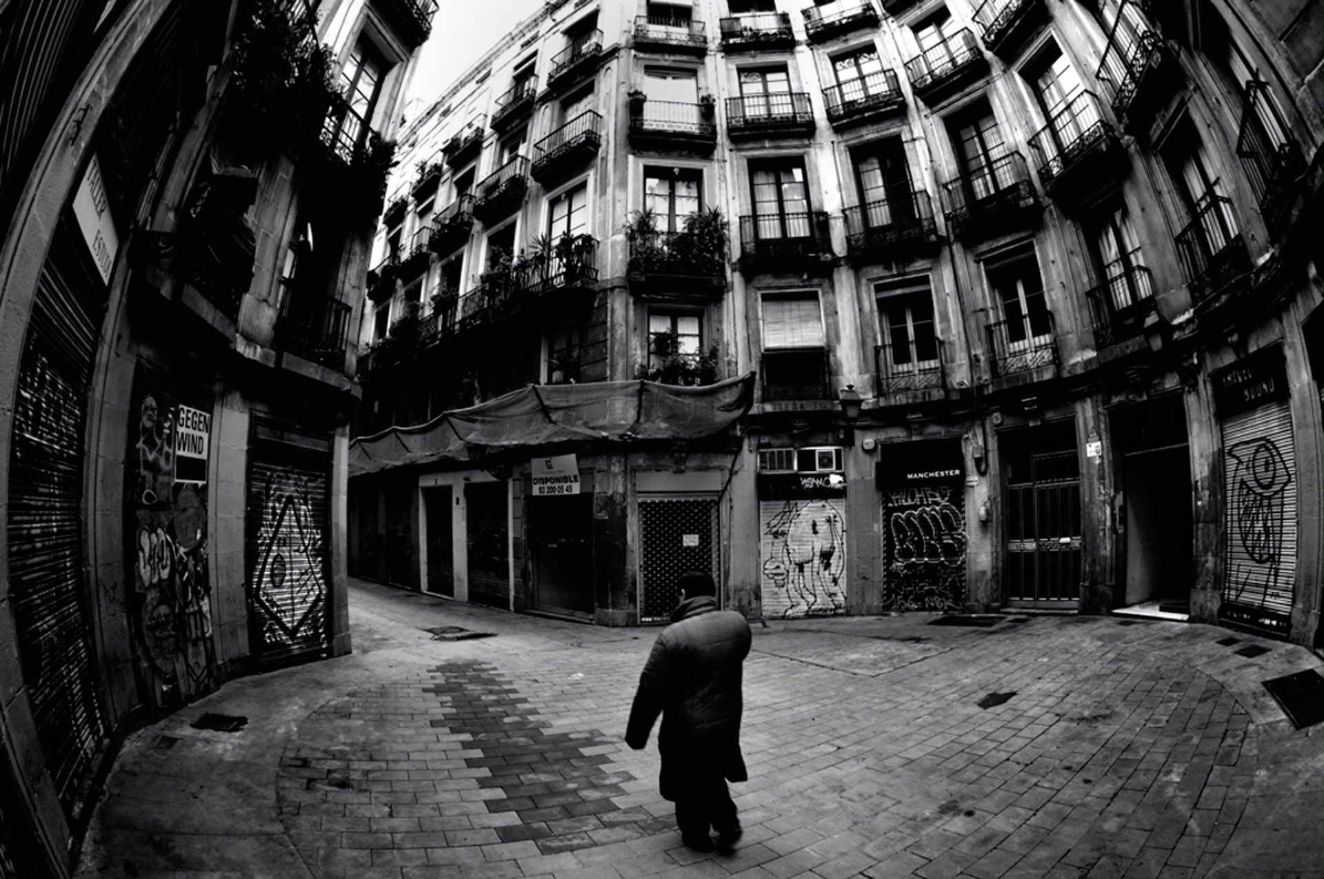 Barcelona Photography Tours offer a combined photo tour and editing class.